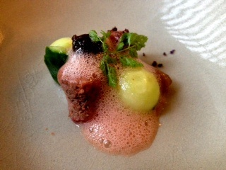 veal tongue with cucumber