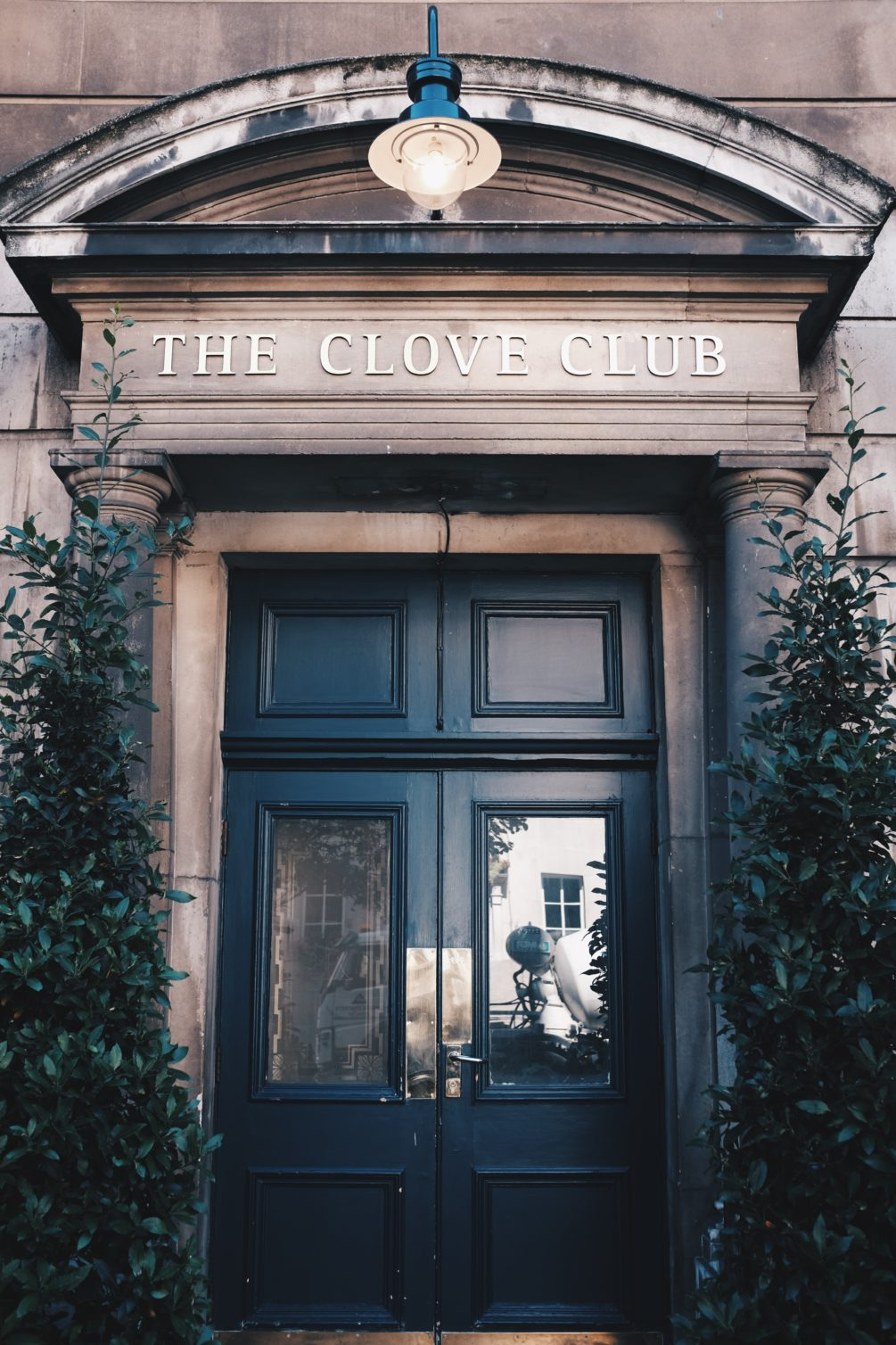 clove club, housed in the shoreditch town hall